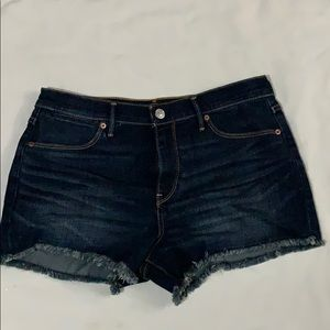 ABERCROMBIE AND FITCH SHORT